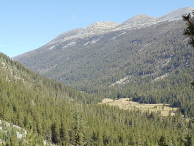 Lyell Canyon and Lyell Fork running down it, with Kuna Crest in the background