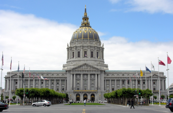 The San Francisco City Hall dome and building